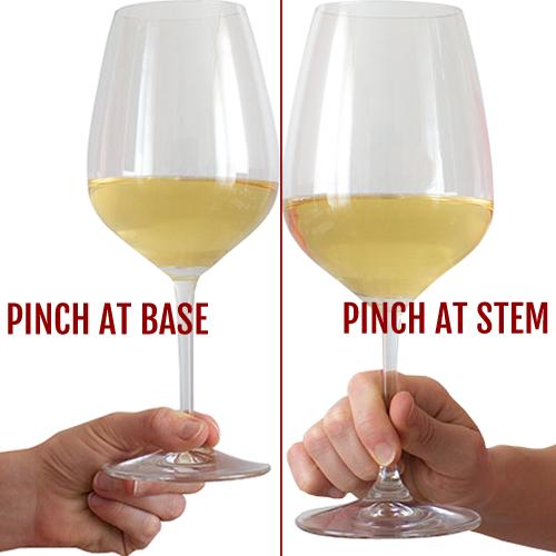 cach cam ly rượu vang